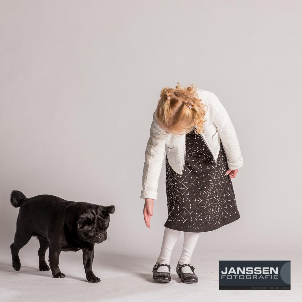 Tess en Nero op de foto met de hond