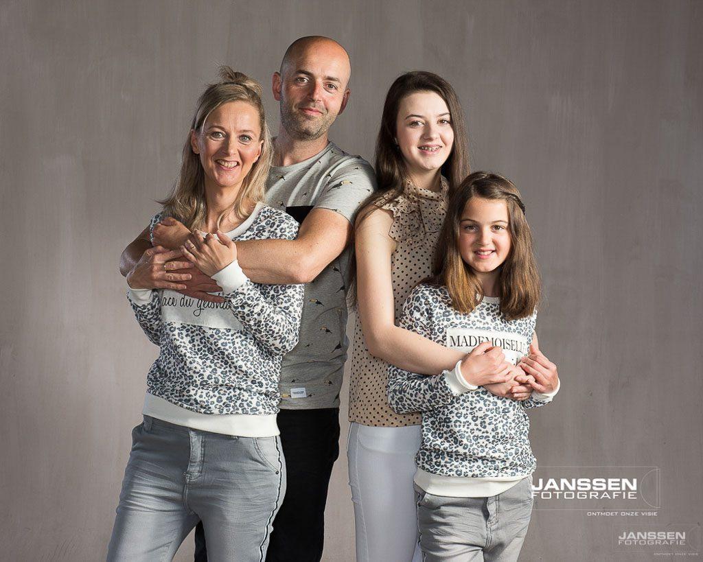 Een familiefoto laten maken dat is een mooi cadeau als je 65 wordt!