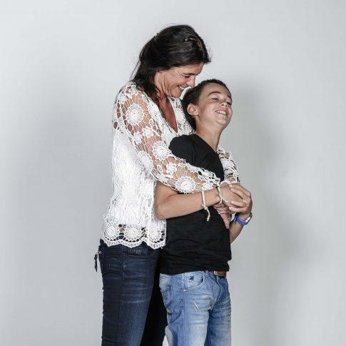 gezinsfoto moeder en zoon