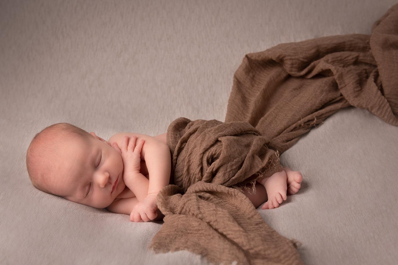 Newborn fotografie in de studio