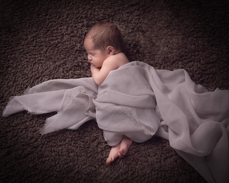 Een newborn fotoshoot met een tweeling