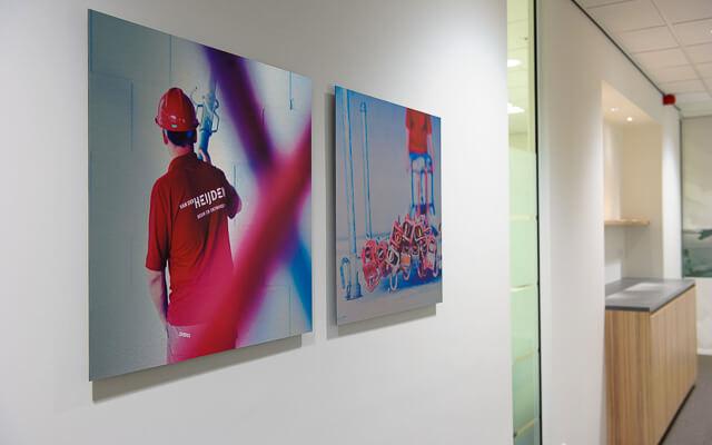 bedrijfsfoto's kunst aan de muur